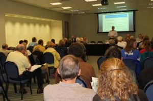 Members of the public learn about NRDA in Florida